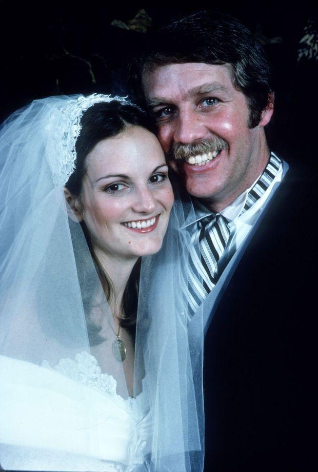 Photo du mariage de Patricia Hearst et Bernard Shaw, célébré en avril 1979.