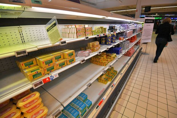 Un rayon touché par la pénurie de beurre, dans un supermarché de Saint-Sébastien-sur-Loire, le 25 octobre.