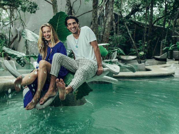 Petra Nemcova et Benjamin Larretche, cofondateur du cabinet de conseil en développement durable Osham Group, en tenue écolo-chic.