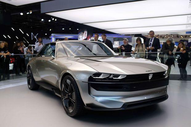 La Peugeot e-Legend, concept-car électrique présenté au Mondial.