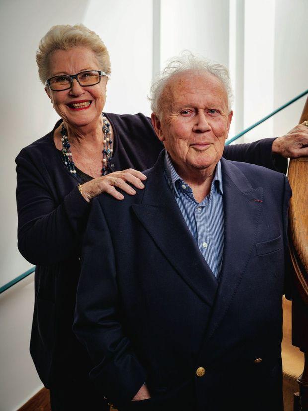 Philippe a épousé Colette le 31 octobre 1953, au Vésinet, alors qu'il venait d'obtenir sa carte de presse. Ils auront deux filles, quatre petits-fils et deux arrière-petits-fils.