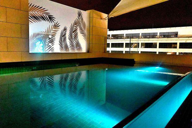 La piscine de verre de la Merchant House.