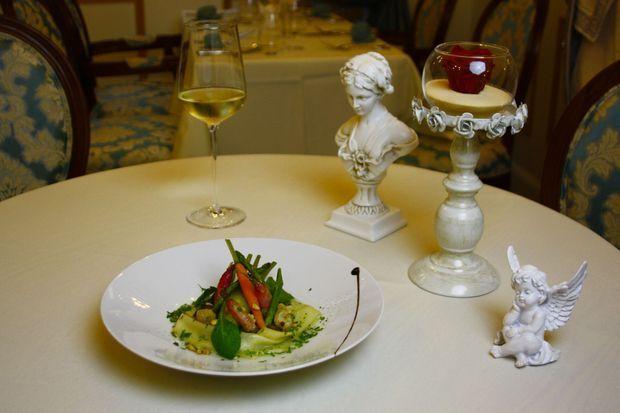 Une assiette gourmande à la table de la Reine.
