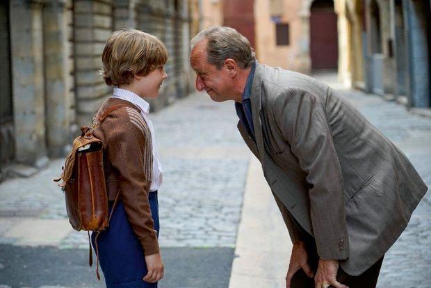 Benoît Poelvoorde face à son fils, incarné par Jules Lefebvre.