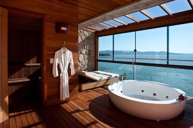 Ponta-dos-Ganchos-Resort,-Brazil