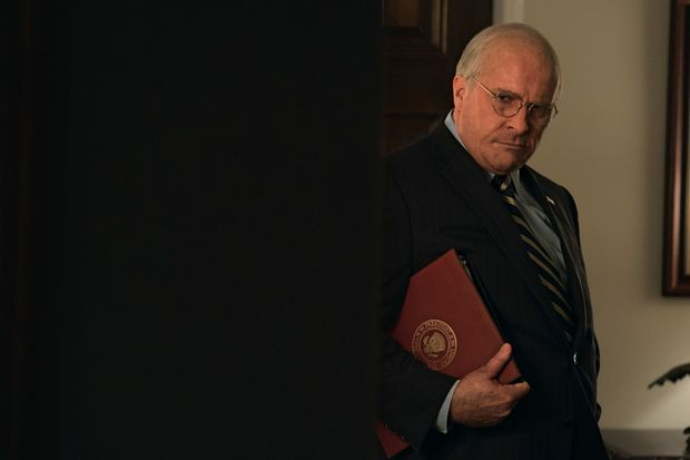 Pour interpréter celui que beaucoup surnomment « Dark Vador », l'acteur Christian Bale s'est métamorphosé.