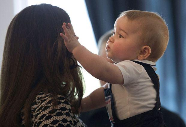 Le petit prince George, en avril, en Nouvelle-Zélande.
