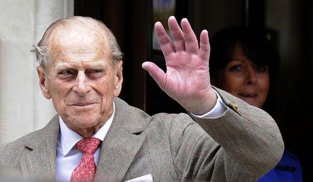 Prince Philip quittant l'hôpital King Edward VII -