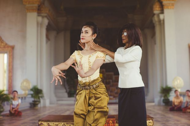 princesse cambodge danse embed