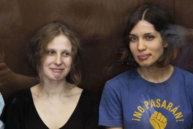 Les Pussy Riot Maria Aliokhina et Nadejda Tolokonnikova en août 2012.