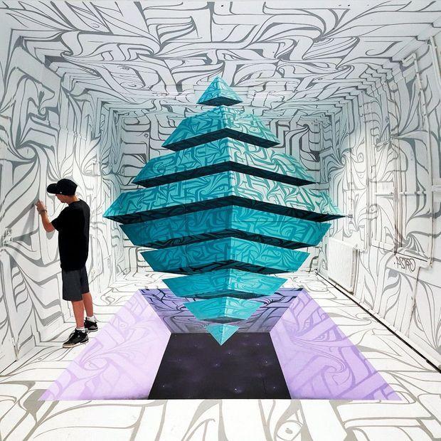 « Pyramidal Levitation » d'Astro.