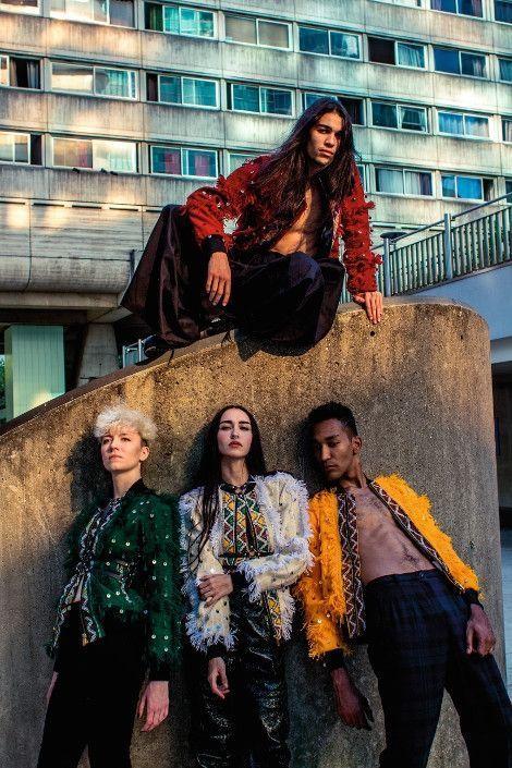 Quatre modèles portant des vestes de la collection capsule emblématique du couturier marocain, Amazigh Power.
