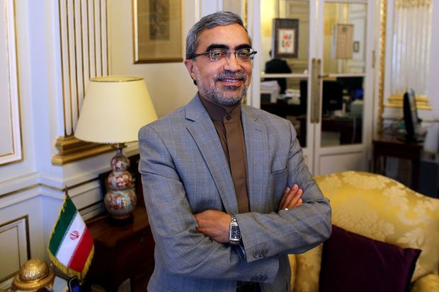 Portrait d'Ali Ahani, souriant