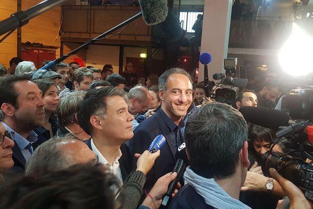 Raphaël Glucksmann et Olivier Faure à l'annonce des résultats.