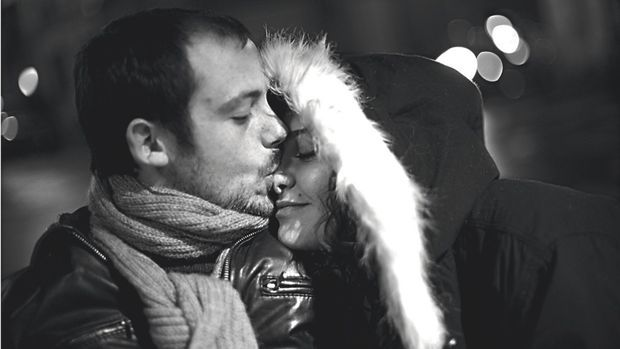 Rémi Ochlik avec sa compagne Emilie Blachère, peu avant son départ pour Homs