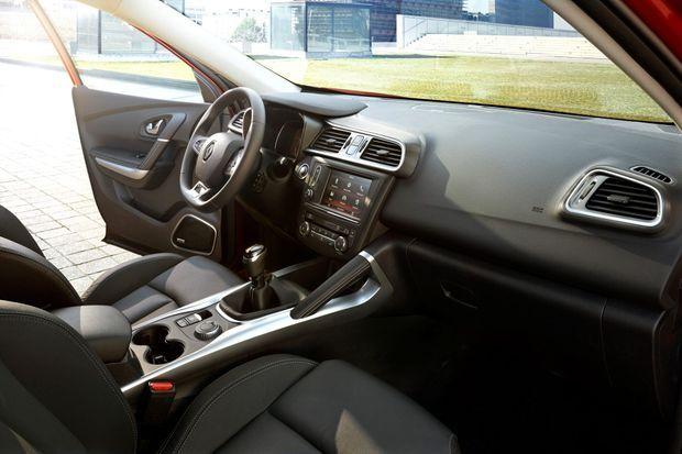 A bord du Renault Kadjar (ici en version boîte manuelle et quatre roues motrices).