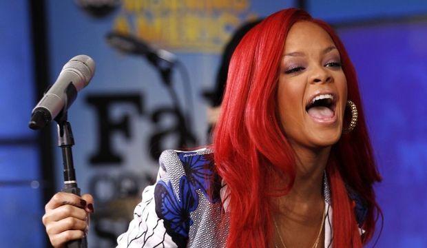 Rihanna cri-