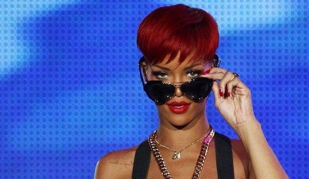 Rihanna - lunettes de soleil-