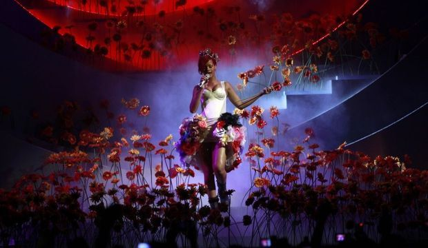 Rihanna MTV Europe Music Awards-