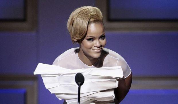 -Rihanna--