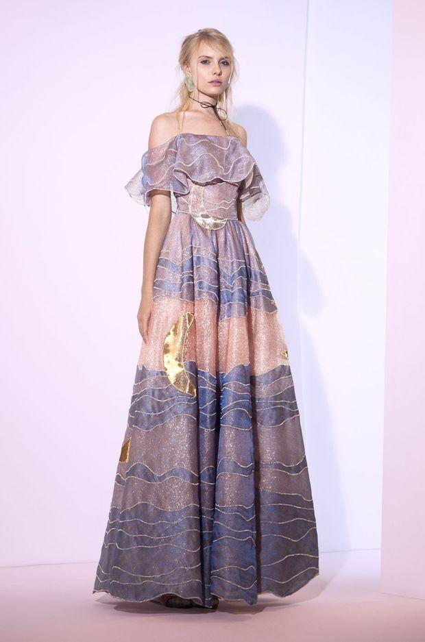 """La robe """"Clair de Lune"""" de Sandra Mansour. Collection """"La Fleur des Eaux"""" printemps/été 2017"""