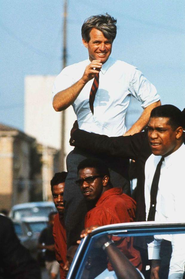 Robert Kennedy en campagne à Los Angeles, en juin 1968.