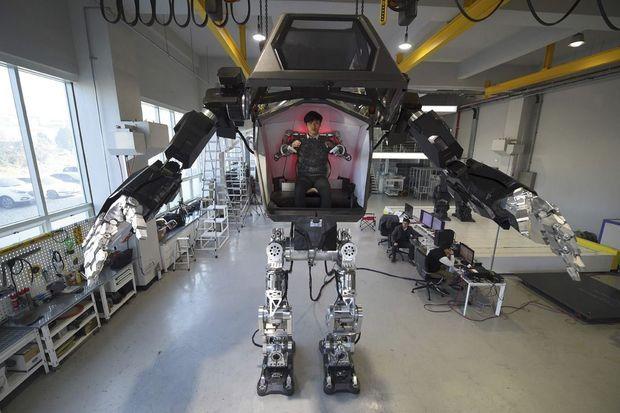Method-2, le premier robot géant piloté de l'intérieur.