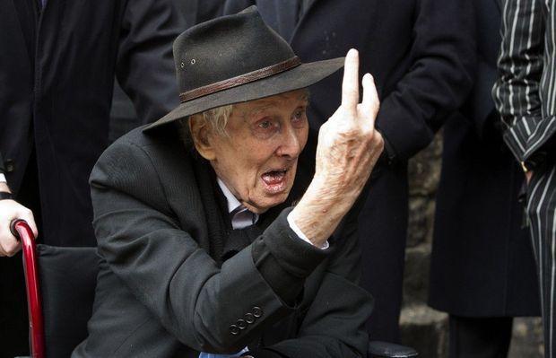 Ronnie Biggs aux funérailles du cerveau, Bruce Reynolds. Londres, mars 2013.