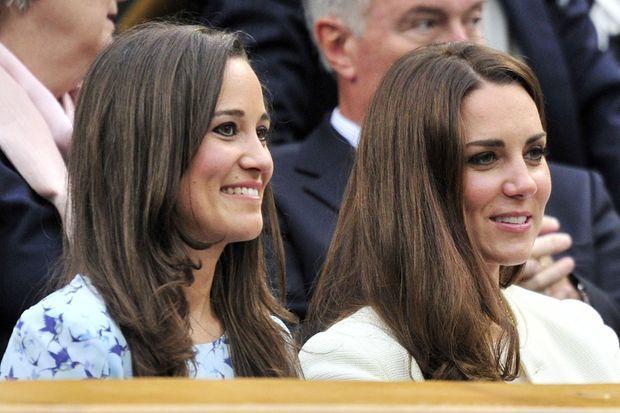 Pippa Middleton avec sa soeur Kate, duchesse de Cambridge, le 8 juillet 2012