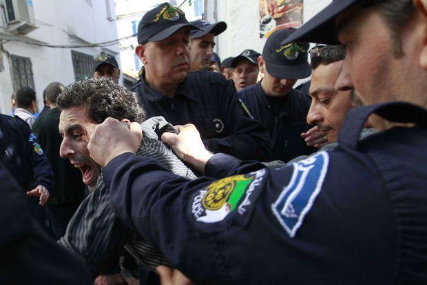 Des protestataires à Bouteflika lors des élections présidentielles le 16 avril dernier