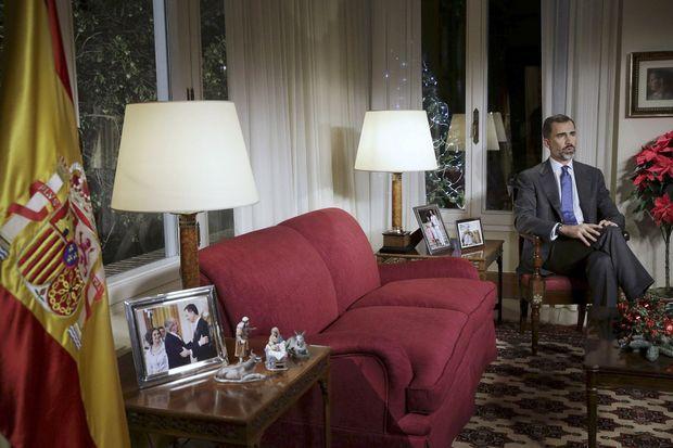 Le roi Felipe VI d'Espagne a disposé dans la pièce des photos le montrant avec sa femme, ses deux filles et ses parents