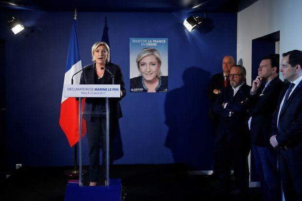 Marine Le Pen lors de sa conférence de presse du 21 avril