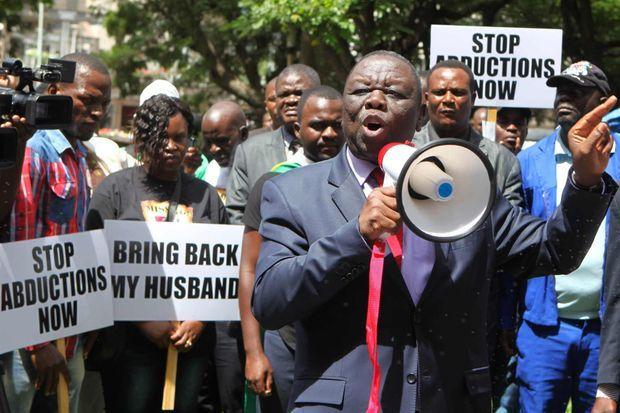 Morgan Tsvangirai à la manifestation contre les disparitions forcées.