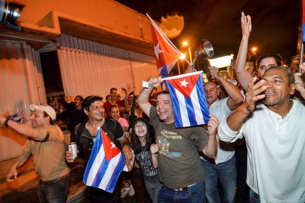 Scènes de liesse à Miami après l'annonce de la mort de Fidel Castro.