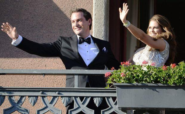 Les futurs mariés au balcon.