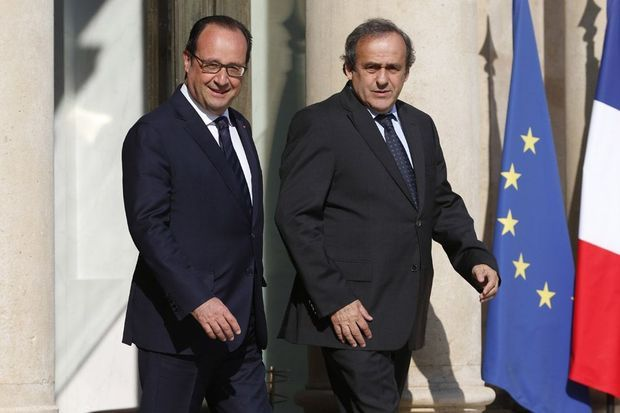 Le 11 juin 2010, Michel Platini rencontre François Hollande pour évoqiuer l'Euro 2016.