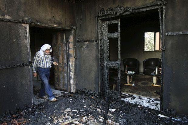 L'intérieur de la maison incendiée.