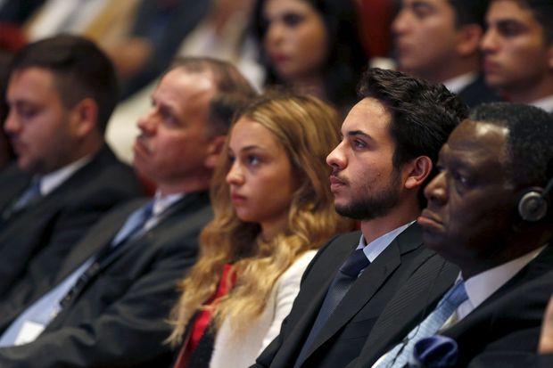 Le prince Hussein et la princesse Iman de Jordanie au Global Forum on Youth, Peace and Security à Madaba, le 21 août 2015