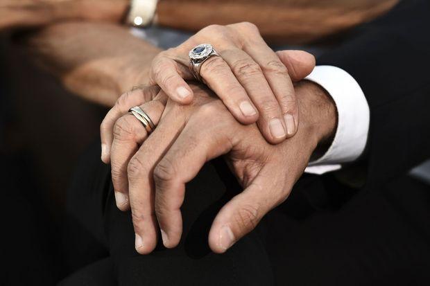 Le couple présidentiel se donne la main, Athènes, le 7 septembre 2017.