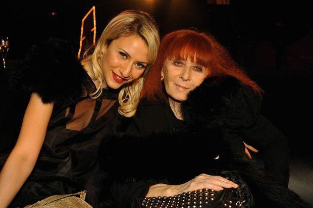 En 2009, avec sa grand-mère Sonia Rykiel, pour le lancement d'une collection lingerie avec H&M