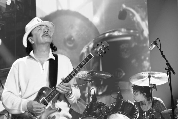 Carlos Santana mardi soir à Paris.