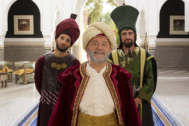 "Michel Blanc en patriarche ventru et barbu dans ""Aladin"""