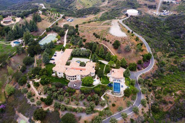 Sa maison de Thousand Oaks (Californie), où elle vit recluse avec son compagnon.