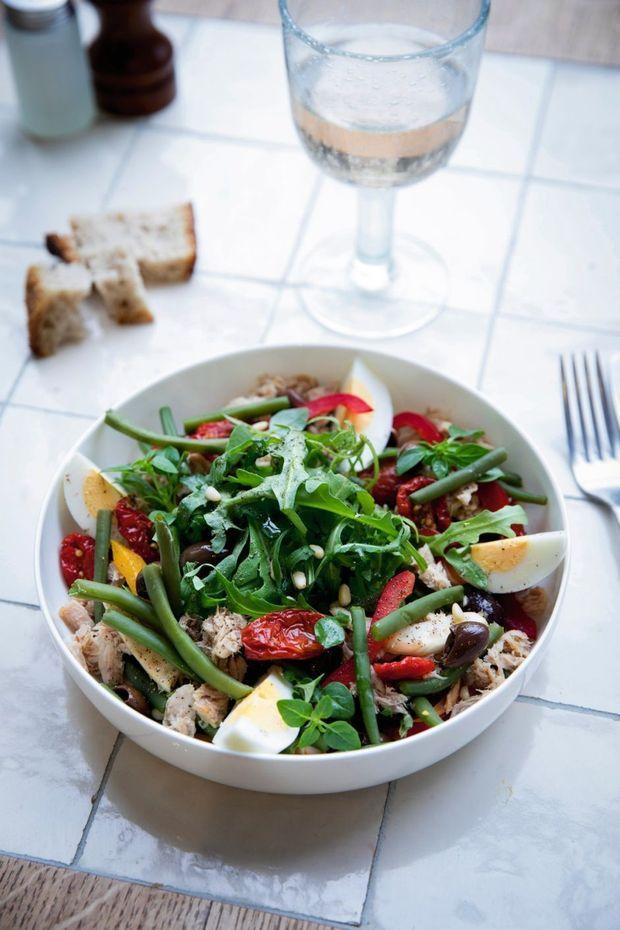 Salade niçoise, un classique de la cuisine méditerranéenne