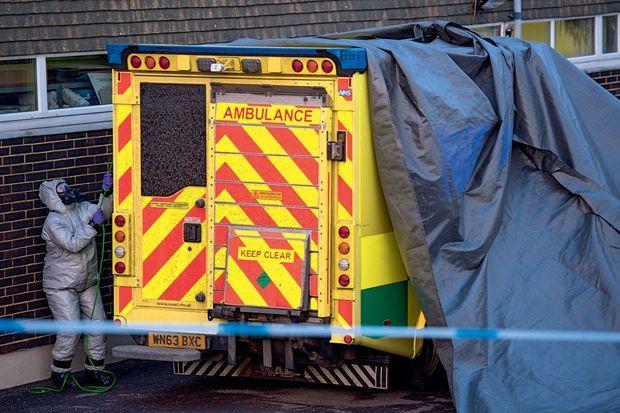Toutes les ambulances qui ont pris en charge les personnes contaminées passent à l'inspection.
