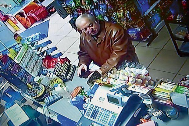 A Salisbury, l'espion retraité faisait ses courses régulièrement à l'épicerie Bargain Stop. Ici, le 27 février.