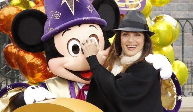 Salma Hayek Disneyland-