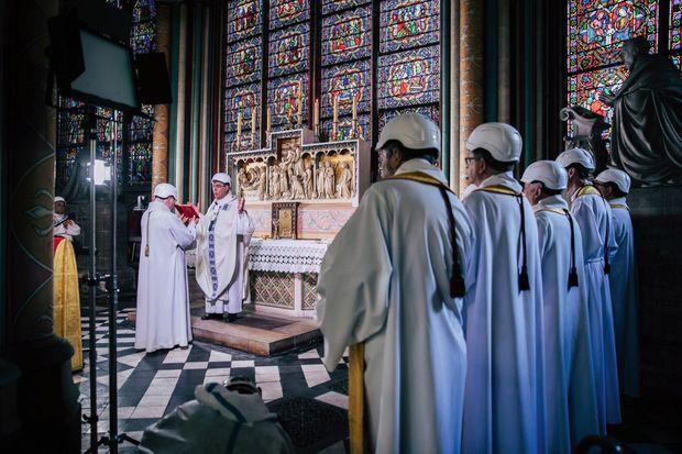 Samedi 15 juin, deux mois jour pour jour après l'incendie, la cathédrale a retrouvé sa raison d'être
