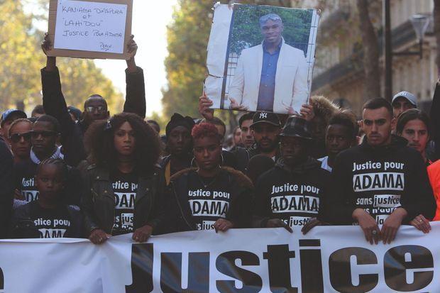 La marche menée par Assa en 2016, quatre mois après la mort d'Adama.