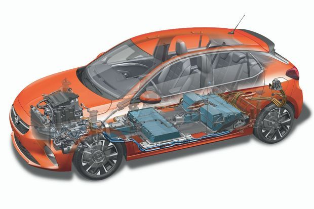 « Si la Corsa brille par son style plein d'énergie, cette version 100 % électrique se distingue par ses batteries logées dans le plancher. »